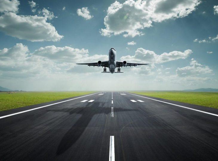 cropped-cropped-tapeciarnia-pl117901_samolot_pas_startowy_niebo_chmury-oryginalny.jpg